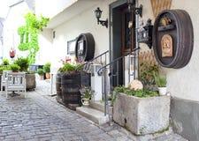 Caffè dell'aria aperta sulla via nella piccola città della Germania Fotografia Stock