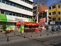 Caffè della via che vende succo fresco al centro di Costantinopoli Turchia fotografia stock