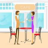 Caffè della via delle coppie all'aperto al caffè della bevanda della Tabella Fotografia Stock Libera da Diritti