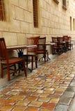 Caffè della via dopo pioggia Fotografie Stock Libere da Diritti