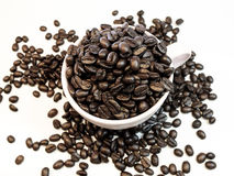 Caffè di amore fatto dai chicchi di caffè Fotografie Stock Libere da Diritti