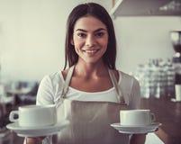 Caffè di barista della ragazza fotografia stock libera da diritti