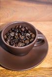 Caffè di Brown in tazza Fotografia Stock Libera da Diritti