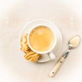 Caffè di Crema con i biscotti Fotografia Stock