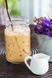 Caffè di ghiaccio sulla tavola di legno Fotografia Stock Libera da Diritti