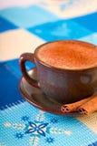 Caffè di inverno con cannella Fotografie Stock Libere da Diritti