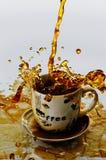 Caffè di versamento Fotografie Stock Libere da Diritti