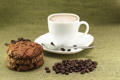 Caffè e biscotti casalinghi Fotografie Stock Libere da Diritti