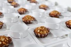 Caffè e biscotti casalinghi con cioccolato Fotografia Stock Libera da Diritti