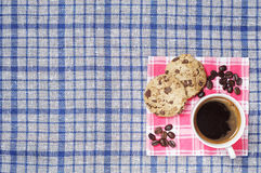 Caffè e biscotti con cioccolato Immagini Stock