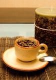 Caffè e candela Immagini Stock Libere da Diritti