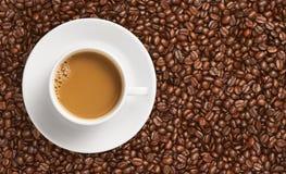 Caffè e chicco di caffè Fotografia Stock Libera da Diritti