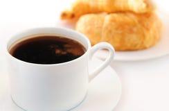 Caffè e croissants fotografie stock