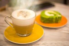 Caffè e dolce Immagini Stock Libere da Diritti