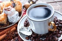 Caffè e dolci orientali Fotografia Stock