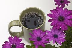Caffè e fiori Immagini Stock