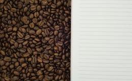 Caffè e fondo del peper Fotografie Stock