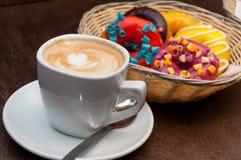 Caffè e guarnizioni di gomma piuma Fotografia Stock