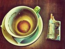 Caffè e sigarette Fotografia Stock Libera da Diritti