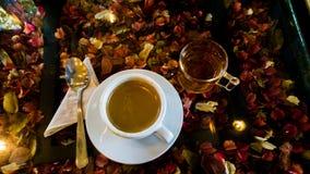 Caffè e tè in caffè Fotografie Stock Libere da Diritti