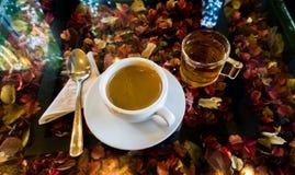 Caffè e tè in caffè Fotografie Stock