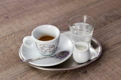 Caffè espresso bianco del caffè della tazza Fotografie Stock Libere da Diritti