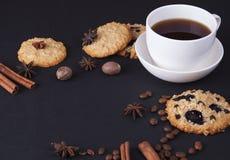 Caffè espresso con i biscotti di farina d'avena Immagine Stock