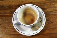 Caffè espresso vuoto e punta Immagini Stock