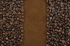 Caffè macinato del chicco di caffè e Fotografie Stock Libere da Diritti