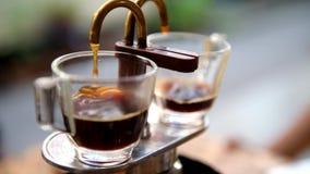 Caffè nell'ebollizione del vaso di moka archivi video