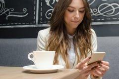 Caffè nella barra del caffè fotografie stock libere da diritti