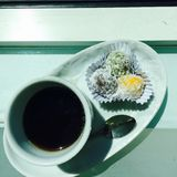 Caffè nero e torta Fotografie Stock