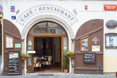 Caffè-ristorante sul mercato di strada Fotografia Stock Libera da Diritti