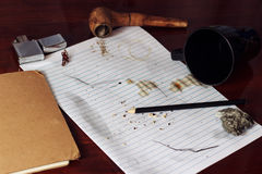 Caffè rovesciato su carta Fotografie Stock Libere da Diritti