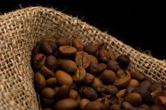 Caffè in sacco della tela da imballaggio immagine stock libera da diritti
