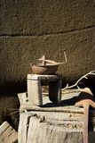 Caffè-smerigliatrice antica Fotografie Stock Libere da Diritti