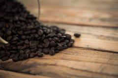 Caffè su di legno (effetto d'annata elaborato immagine filtrato fotografia stock libera da diritti