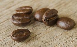 Caffè su fondo di legno Immagine Stock Libera da Diritti