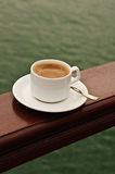 Caffè sulla piattaforma Fotografia Stock