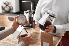 Caffè sulla scala, caffetteria Fotografia Stock Libera da Diritti