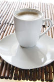 Caffè in una tazza bianca Fotografia Stock Libera da Diritti