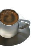 Caffè in una tazza del metallo fotografie stock libere da diritti