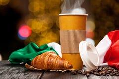 Caffè in una tazza di carta fotografia stock