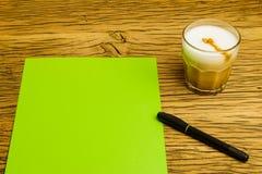 Caffè verde vuoto di idea della pagina di concetto Fotografia Stock Libera da Diritti