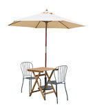 Caffe桌椅子遮阳伞 库存图片
