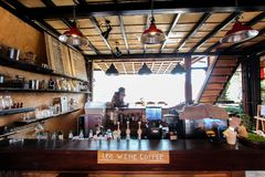 Caffetteria degli alloggi di LeeWine o di Lee Wine al villaggio amoroso tailandese tailandese di Rak di divieto Immagini Stock Libere da Diritti
