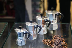 Caffettiera metallica italiana della moca della macchinetta del caffè per la fabbricazione dei espres Immagine Stock Libera da Diritti