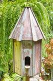 Cage à oiseaux en bois Photos libres de droits