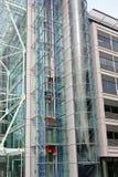 Cage d'ascenseur en verre Image stock