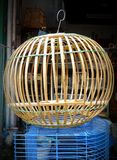 Cage de colombe de bambou Photographie stock